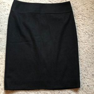 Banana Republic black wool pencil skirt back zip 8